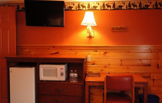 Adirondack Double Room Features